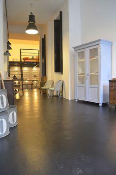 Atelier Autêntico - Vintage furniture Beco da Rosa, 2C e 2D, 1200-380 Lisboa www.atelierautentico.pt
