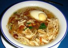 Saoto soup recipe for persons with a cookingtime of 1 uur. Dutch Recipes, Asian Recipes, Soup Recipes, Healthy Recipes, Diner Recipes, Suriname Food, Think Food, Exotic Food, Caribbean Recipes