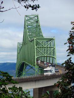 Astoria bridge by eg2006, via Flickr