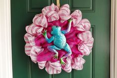 Fuchsia and White Deco Mesh Frog Wreath