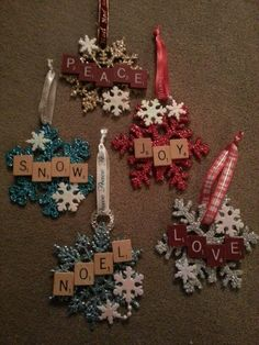 Unique and Creative Christmas Ideas Christmas Decorations, Christmas Gifts, Christmas iDeas Christmas Ornament Crafts, Christmas Crafts For Kids, Holiday Crafts, Snowflake Ornaments, Ornaments Ideas, Homemade Ornaments, Scrabble Christmas Decorations, Scrabble Ornaments Diy, Homemade Gifts