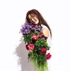 Flowerのオフィシャルウェブサイト最新情報、プロフィール、曲の試聴等。 Girls Dream, How To Look Pretty, Floral Wreath, Actresses, Celebrities, Lady, Flowers, People, Model