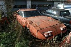 As you can see, this is the fate of many Daytona's. Common sense would have kept so many of these from being nothing more than a parts car. 1969 Dodge Charger Daytona, Dodge Daytona, Abandoned Vehicles, Abandoned Cars, Junkyard Cars, Plymouth Superbird, Car Barn, Rust In Peace, Junk Yard