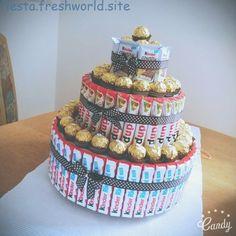Süßigkeiten torte basteln - Tess G. Candy Arrangements, Bar A Bonbon, Diy Food Gifts, Cute Birthday Gift, Candy Cakes, Gift Cake, Chocolate Bouquet, Candy Bouquet, Candy Party