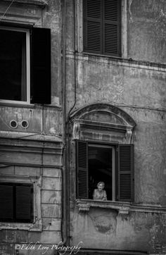 A Window to the World in Trastevere, Rome  www.edithlevyphotography.com