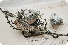 Love multi-nest nature/rustic look—Great in any holiday decor—Would use as a Christmas tree ornament! * Sleepless in NRW *