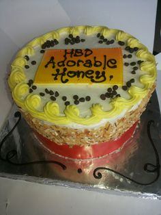 LoveStruck Bakery wish all our Muslim Customers Happy Eid-Al-Fitr.❤  #Free Delivery🚒  🎁Celebrate with the best cakes in Lagos 📞 08038214492 or www.lovestruckcakes.com