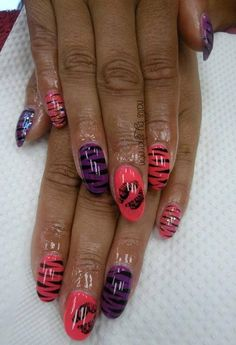 Natural nails with Gelish design for a trip to Vegas! www.facebook.com/nailsbyshannonu