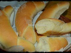 Ropogós vajas kifli egyenesen a sütőből - Mézes macska Hot Dog Buns, Hot Dogs, Bagel, Bread, Baking, Foods, Kitchen, Food Food, Food Items