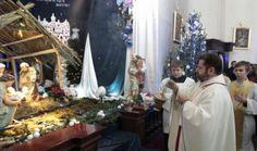 когда пройдут праздничные службы Совсем скоро католики отметятодин из главных христианских праздников – Рождество Христово. По традиции римско-католическая церковьпразднует его по григорианскому календарю– в ночь с 24 на 25 декабря. Рождественская имша в к