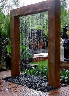 Beautiful garden design creates amazing outdoor living spaces while balancing and harmonizing landscaping ideas and turning imperfections into spectacular details. Lushome shares a few interesting landscaping ideas and creative garden design techniques th Glass Waterfall, Garden Waterfall, Diy Waterfall, Indoor Waterfall, Diy Garden Fountains, Fountain Garden, Indoor Fountain, Large Outdoor Fountains, Backyard Water Fountains