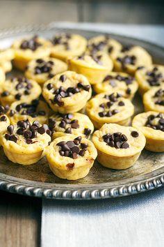 mini pumpkin chocolate chip pancake muffins | heathersfrenchpress.com #pumpkin