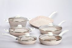 Con le padelle in granito rosa Stonerose® scoprirai il tradizionale sapore della cucina su pietra.