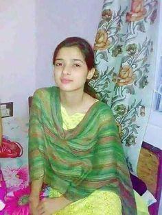 Gud nyt all Cute Little Girl Dresses, Stylish Dresses For Girls, Stylish Girls Photos, Beautiful Blonde Girl, Beautiful Girl Photo, Beautiful Girl Indian, Pakistani Girls Pic, Punjabi Girls, Desi Girl Selfie