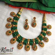 Bright & beautiful d Fancy Jewellery, Thread Jewellery, Gold Jewellery Design, Fabric Jewelry, Gold Jewelry, Beaded Jewelry, Gold Necklaces, Temple Jewellery, Diy Jewelry