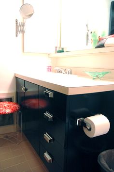 Little Green Notebook: Painting Laminate Bathroom Cabinets