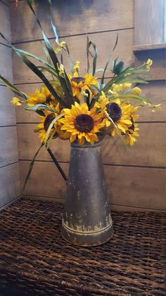 Sunflower Vase, Fall Flower Arrangements, Metal Watering Can, Watering Cans, Galvanized Decor, Farmhouse Table Decor, Fall Flowers, Bonsai, Fall Decor