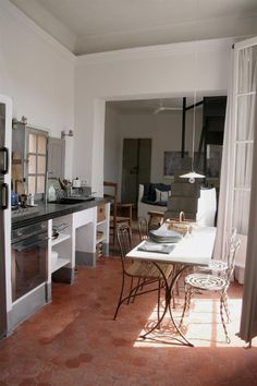 A Romantic Rental In Provence