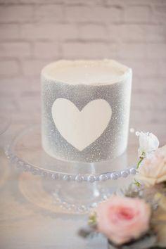 silver glitter heart cake // photo by Vitalic Photo // cake by MariaVCreative