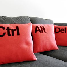 @Sunali .Icon Pillows at DesignLocks / İkon Yastıklar DesignLocks'ta