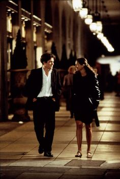 Hugh Grant and Julia Roberts in Notting Hill directed by Roger Michell, 1999
