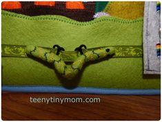Quiet book - Activity book - Travel toy - Toddler - Tutorial - Sewing - Dollhouse - Made of felt Diy Quiet Books, Book Activities, Activity Books, Animal Habitats, Travel Toys, To Go, Animal Books, Busy Book, Felt Diy