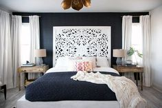 7 Eye-Catching Accent Wall Ideas to Try | Decorist Blog | see more at: https://www.decorist.com/blog/how-to-choose-an-accent-wall/