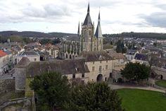 Vue sur l'Eglise et le château