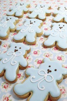 teddy bear christening biscuits instead of cupcakes Fancy Cookies, Iced Cookies, Cute Cookies, Cupcake Cookies, Cupcakes, Galletas Decoradas Baby Shower, Teddy Bear Cookies, Teddy Bears, Christening Cake Boy