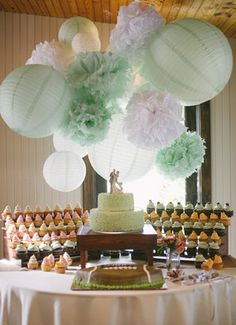 Clarissa & Chase's beautiful wedding | Wedding cupcakes by Cupcake DownSouth