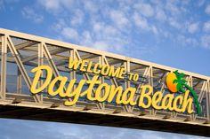 Daytona Beach Hotels   Hawaiian Inn Beach Resort