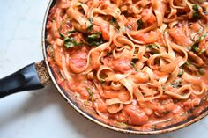 Roasted Red Pepper and Arugula Pasta #Vegan #Vegetarian #Pasta #Creamy #Tomato #Arugula #RedPepper #Easy #HealthyMeals #Quick #Lunch #Dinner #Cheap #DairyFree