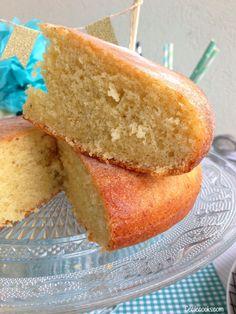 Gâteau à la vanille et mascarpone : la recette du gâteau au yaourt encore plus moelleux !