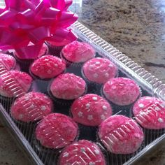 'it's a girl' cupcakes