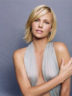 Charlize Theron, scarf