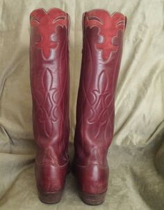"""Here up for auction are a beautiful pair of well cared for LUCCHESE extra tall cowboy boots that are in amazing condition, they measure 18 inches tall from the bottom of the heel to the top of the boot, the circumference at the top of the boot measure 16 1/8"""" on the outside. They are marked 11D for the size and there are two other sets of numbers 107960 and 91101, the Lucchese mark is from San Antonio and also has Robert's W/W (Western Wear)Boots South Miami, Florida, the b..."""