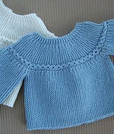 Free knitting pattern for premature baby sweater pullover . Only 2 seams to sew down the arms . 2 brassières prémas (rangs raccourcis) - J Baby Knitting Patterns, Baby Sweater Patterns, Knitting Blogs, Knitting For Kids, Baby Patterns, Free Knitting, Crochet Baby Jacket, Knitted Baby Cardigan, Toddler Sweater