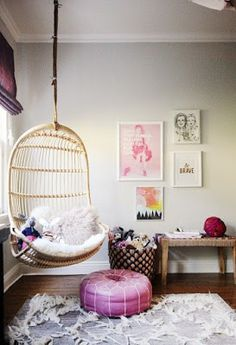 must have hanging chair somewhere, someday;/ Hanging chair in living room with small gallery wall Bedroom Chair, Bedroom Decor, Bedroom Swing, Bedroom Ideas, Chair For Kids Room, Ideias Diy, Teen Girl Bedrooms, Teen Bedroom, Master Bedroom