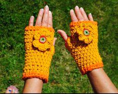 Handschuhe fingerlos, Pulswärmer, Armstulpen von HäkelFee Gerti G. auf DaWanda.com