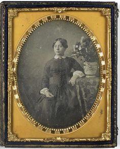 Anonymous | Portret van een vrouw, Anonymous, c. 1840 - c. 1860 |