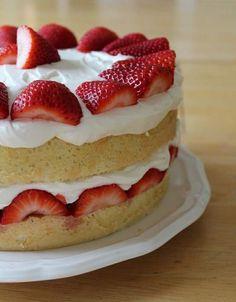 strawberry cream cake from America's test kitchen. chiffon style cake with cream cheese in the whipped cream Strawberry Sweets, Strawberry Cream Cakes, Strawberry Shortcake, Fudge Recipes, Frosting Recipes, Cake Recipes, Drink Recipes, Easy Microwave Fudge, Delicious Desserts