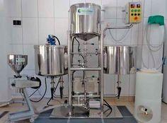 Cursos sobre todo o processo da cerveja, passando pelos insumos, matérias-primas até a produção, envase e administração de negócios.