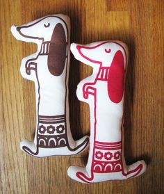 """Make Your Own Long Dog Kit: Finished dog is 10"""" x 4 """" -- I HAVE TO make one!!"""