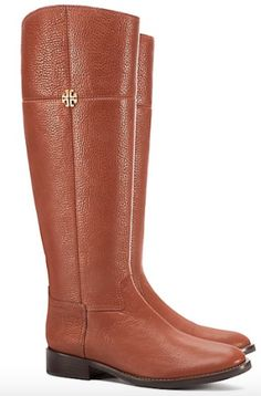 Was Sie kaufen sollten: Tory Burch Fall Sale - Mode Ideen Fall Fashion 2016, Autumn Fashion, Tory Burch, Brown Riding Boots, Boots For Sale, Pebbled Leather, Outfit, Casual Chic, Legs