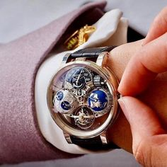100% Class Thoughts on this wristwear? Follow us if you love watches! Bovet Récital 18 the Shooting