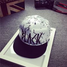 """Find More Baseball Caps Information about Unisex Fashion Letter """"BLACK"""" Graffiti Brand Snapback Cap Man Woman Hip Hop Cap Snap Back Hip Hop Cap Gorra Planas Bone Aba Reta,High Quality cap wig,China hop ball Suppliers, Cheap cap port from Shenzhen BYS Technology Co., Ltd on Aliexpress.com"""