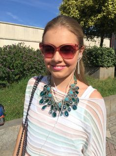 Diamond Solitaire Necklace, Diamond Pendant, Back To School Necklaces, Friends Fashion, Natural Diamonds, Bff, Tv Shows, Chain, Room Ideas