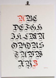 Poster typographique blackletter gothiques par ampersandenpress #blackletter #capitals #flourish