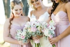 This styled photo shoot includes a classic vintage car, elegant florals, and a venue that shines with its rustic country feel. We love the pink and white colour scheme, and the floral ring – can we have one installed in the office maybe?! VENDORS Photographer: Corrie Barto Photography // Venue: The Venue at Waterstone // Dress Store: Alfred Angelo …