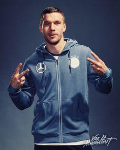 """Podolski Mercedes-Benz Fußball — Die DFB-Stars im """"Ohne-Worte"""""""